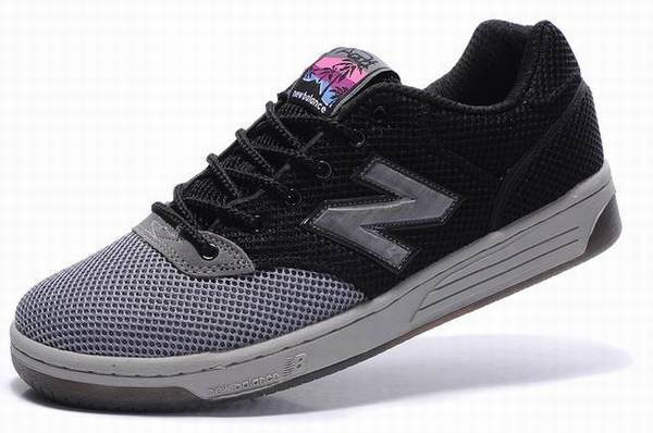 new balance rouge foot locker