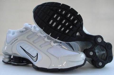 nouvelle Nancy Nike Blanche Shox Bleu Locker Rivalry Et foot ON0nwP8kX