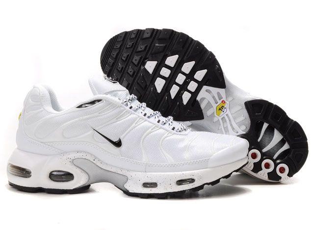 chaussures nike enfant 32
